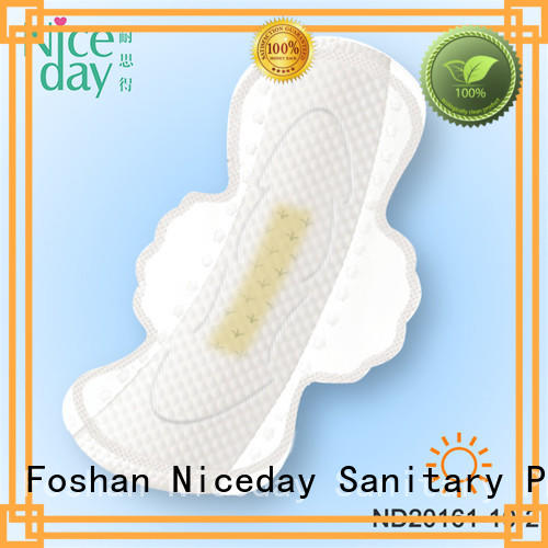 black napkin pad leak products for period